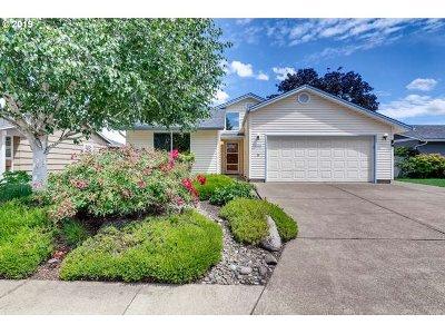 Woodburn Single Family Home Pending: 600 S Cascade Dr