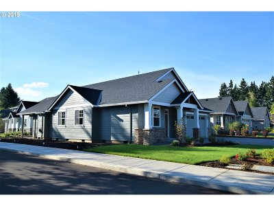 Molalla Single Family Home Bumpable Buyer: 1455 N Oak St