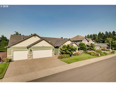 Milwaukie Single Family Home For Sale: 15702 SE Wills Way