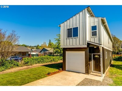 Newberg, Dundee, Lafayette Single Family Home For Sale: 700 SE Parks Dr