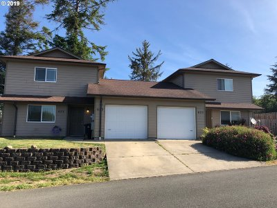 Coos Bay Multi Family Home For Sale: 623/625 Clay