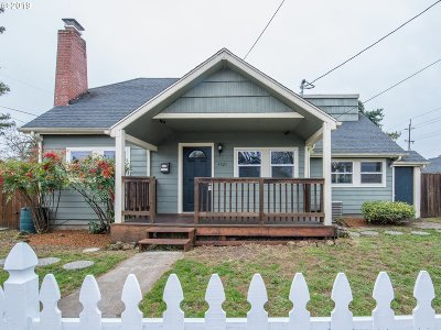 Portland Single Family Home For Sale: 4521 SE 58th Ave