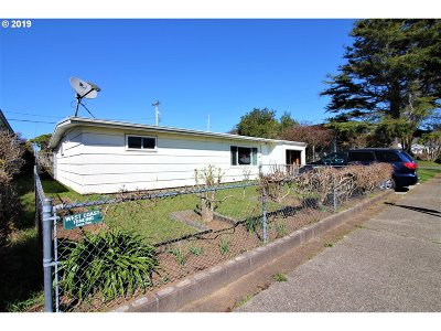 Coos Bay Single Family Home For Sale: 980 Montgomery