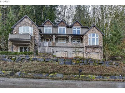 Lake Oswego Single Family Home For Sale: 17951 Meadowlark Ln