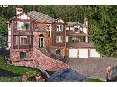 Lake Oswego Single Family Home For Sale: 1300 Glenmorrie Dr