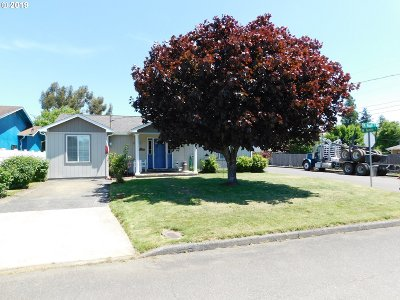 Coquille Single Family Home For Sale: 1008 N Knott St