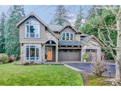 Portland Single Family Home For Sale: 14080 SW River Ln