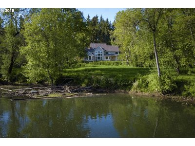 Clackamas County Single Family Home For Sale: 22875 SW Johnson Rd