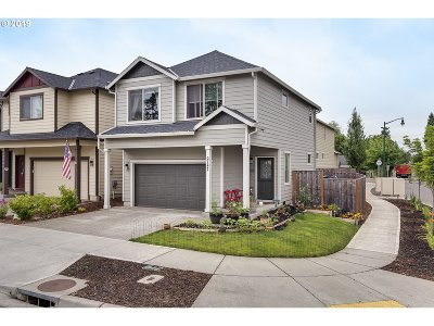 Forest Grove Single Family Home For Sale: 2747 25th Pl
