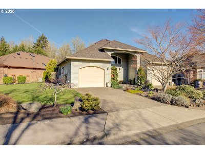Portland Single Family Home For Sale: 16195 NW Birdie Ln
