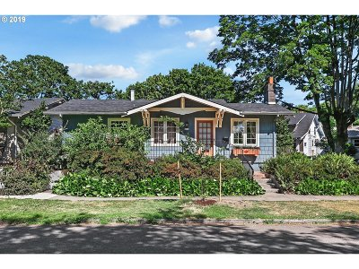 Portland Single Family Home For Sale: 2110 SE Larch Ave