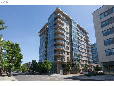 Portland Condo/Townhouse For Sale: 1930 SW River Dr #W504