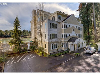 Lake Oswego Condo/Townhouse For Sale: 185 Furnace St