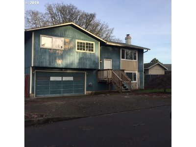 Oregon City Single Family Home For Sale: 19027 Bedford Dr