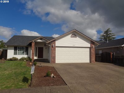 Cottage Grove, Creswell Single Family Home For Sale: 2070 Clark Ave