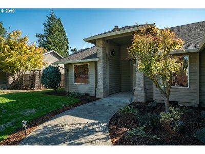 Newberg Single Family Home For Sale: 120 Nicholas Way