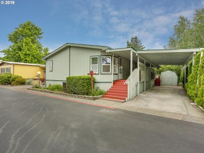 Multnomah County, Clackamas County, Washington County, Yamhill County, Marion County Single Family Home For Sale: 900 NE Francis Ave #86