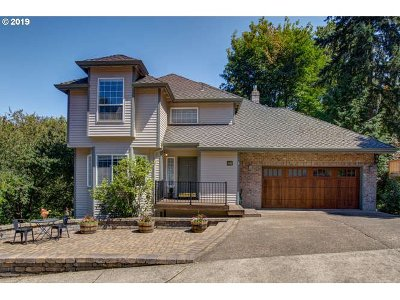 West Linn Single Family Home For Sale: 3167 Cottonwood Ct