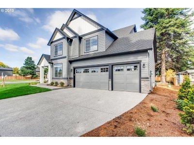 Single Family Home For Sale: 3605 NE Meadow Ln