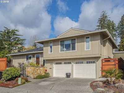 Tigard Single Family Home For Sale: 10445 SW Highland Dr