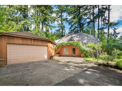 Beaverton Single Family Home For Sale: 6755 SW 155th Ave