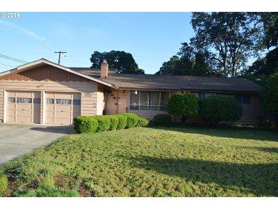 Salem Single Family Home For Sale: 3926 Hayesville Dr