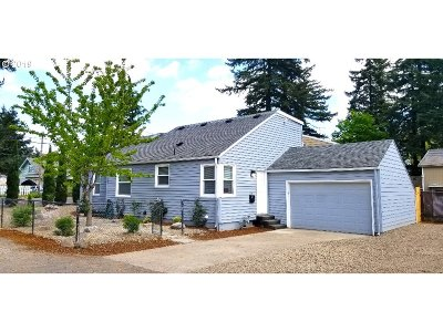 Portland Single Family Home For Sale: 3506 SE 119th Ave