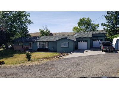 Pendleton Single Family Home For Sale: 2 NE Nelson Dr
