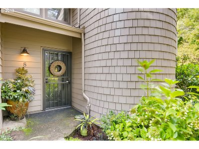 Portland Condo/Townhouse For Sale: 1795 NW 143rd Ave #8