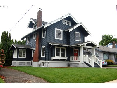 Portland Single Family Home For Sale: 3244 NE Schuyler St