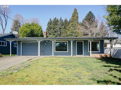 Keizer Single Family Home For Sale: 949 Plymouth Dr NE