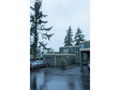 Beaverton Condo/Townhouse For Sale: 1574 NW Midlake Ln