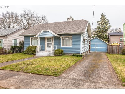 Portland Single Family Home For Sale: 7614 SE 21st Ave