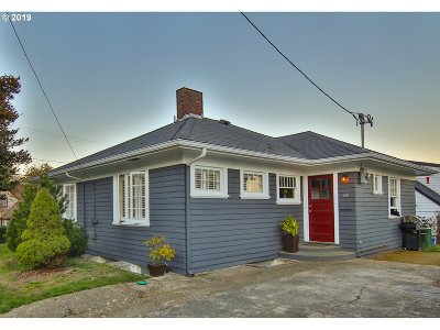Coos Bay Single Family Home For Sale: 595 Hall Ave