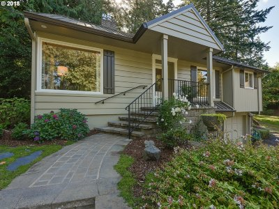 Portland Single Family Home For Sale: 9951 SW Lancaster Rd