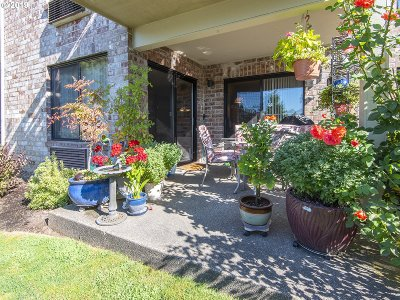 Tigard Condo/Townhouse For Sale: 16363 SW 130th Ter #96