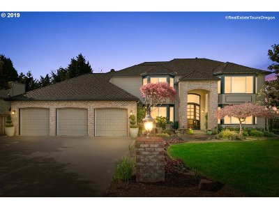 Tigard Single Family Home For Sale: 14721 SW Scarlett Dr