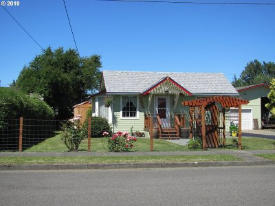 Myrtle Point Single Family Home For Sale: 812 B St