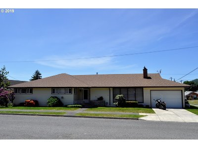 Coquille Single Family Home For Sale: 987 N Folsom St