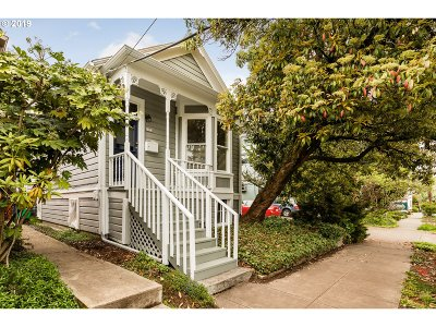 Multnomah County Single Family Home For Sale: 2533 NW Savier St