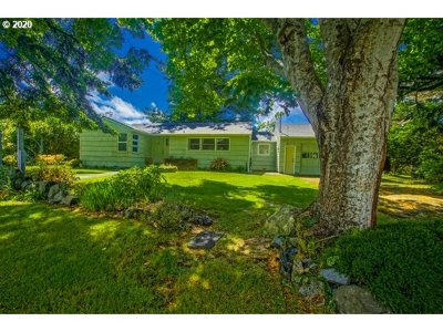 Port Orford Single Family Home For Sale: 22 Geer Cr
