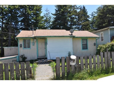 Coos Bay Single Family Home For Sale: 525 N Main St