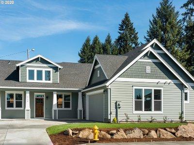 Milwaukie, Gladstone Single Family Home For Sale: 18570 Tryon Way