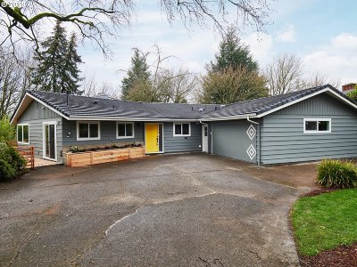 Single Family Home For Sale: 2230 SW Caldew St