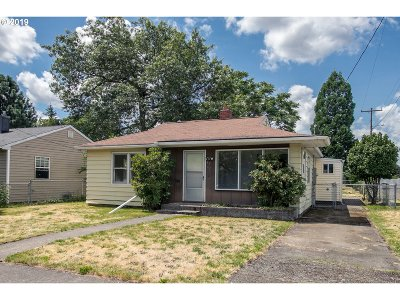 Portland Single Family Home For Sale: 4707 SE 99th Ave