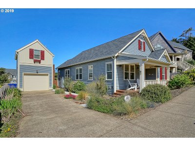 Lincoln City Single Family Home For Sale: 2477 SW Anemone Ave