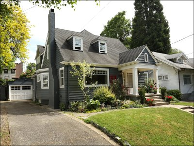 Portland Single Family Home For Sale: 830 NE Hazelfern Pl