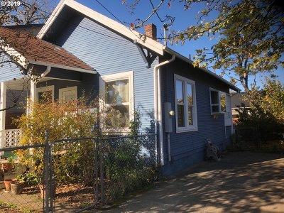 Single Family Home For Sale: 6915 SE Martins St