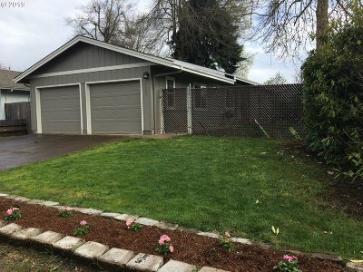 Single Family Home For Sale: 1523 Dola St