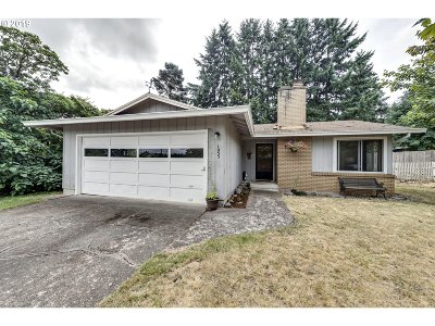 Wilsonville, Canby, Aurora Single Family Home For Sale: 1055 NE 14th Ave